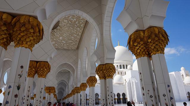 colonne moschea bianca