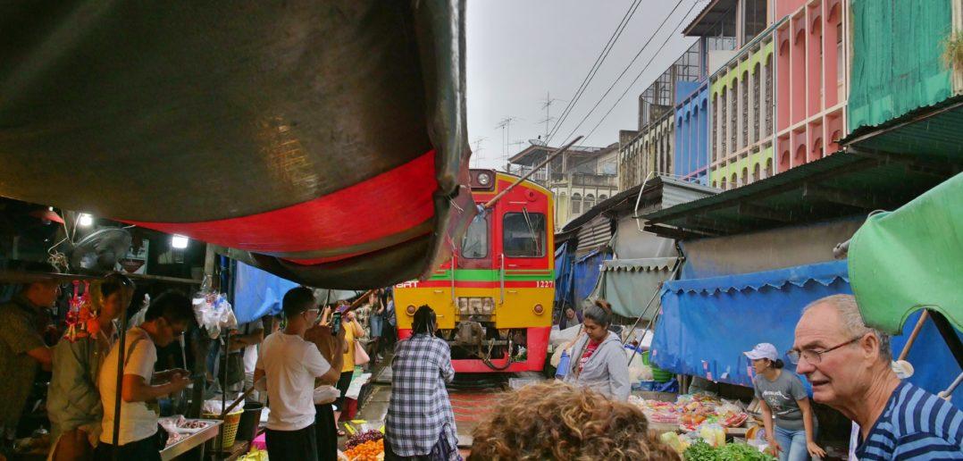 mercato treno bangkok